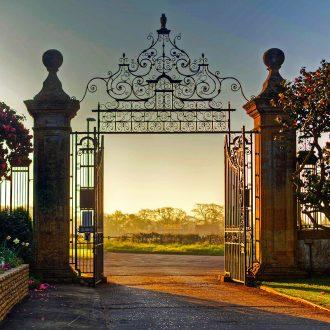 south lytchett manor caravan park entrance